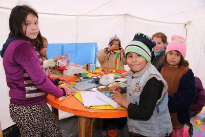 Abren espacios para niños y adolescentes afectados por inundaciones