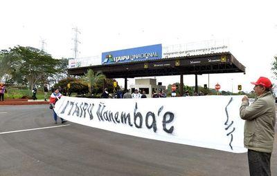 Ciudadanos exigen que se revoque el acuerdo de Itaipú firmado con Brasil