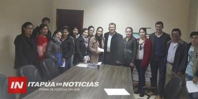 TRP: COMUNA ENTREGÓ BECAS A ESTUDIANTES DE ESCASOS RECURSOS
