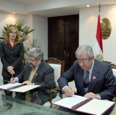 La Corte firma convenio interinstitucional para agilizar trámites de paraguayos que residen en el exterior
