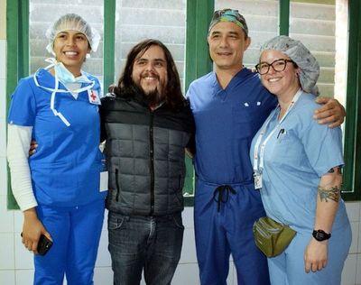 Misión médica cambia la vida a joven paraguayo que sufre rara enfermedad