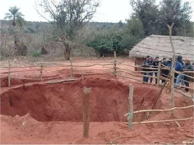 Hombre murió al quedar sepultado buscando plata yvyguy
