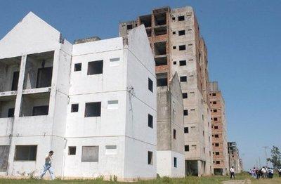 Continuarán con la construcción de viviendas en complejo de Roque Alonso