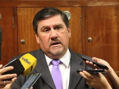 'Castiglioni es senador y va a venir a ocupar su banca sin pelear con nadie, depende de él'- Sen. Blas Llano