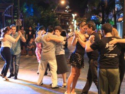 Con milonga popular, Tango en la calle celebra  nuevo aniversario