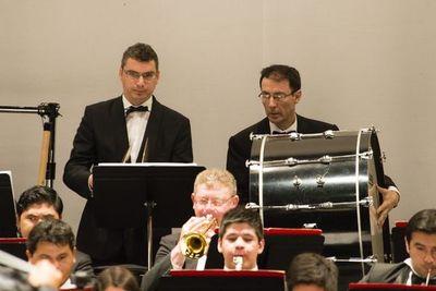 """""""Ensamble de percusión"""" ofrece recital"""
