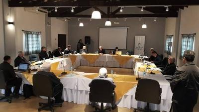 "HOY / Obispos piden transparencia en tema de acta secreta y que gobierno ""asuma responsabilidades"""