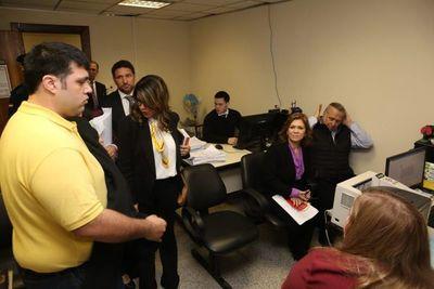 Juez ordenó el arresto domiciliario de González Daher e hijo