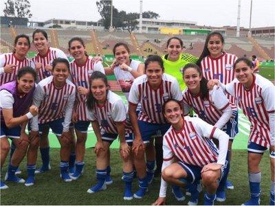 La Albirroja femenina triunfa ante México