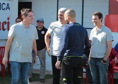 Eduardo Berizzo visita el entrenamiento del Sportivo San Lorenzo