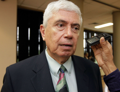 Economista sugiere «despertar de pesadilla del juicio político doble» y retomar senda de crecimiento