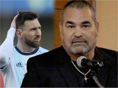 Chilavert sale al cruce tras la sanción de Conmebol a Messi