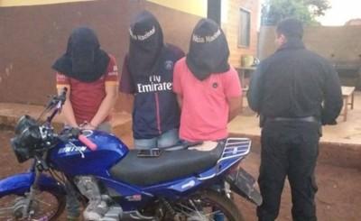 Dos adolescentes y un adulto detenidos por varios robos