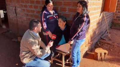 A una abuela le amputaron las piernas y necesita silla de ruedas