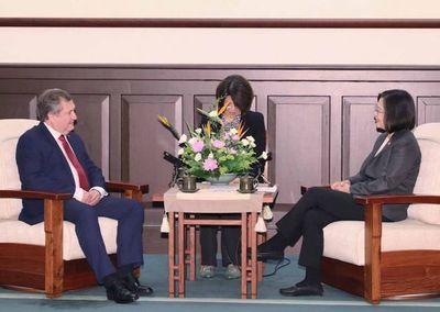 Titular de la Corte se reunió con la presidenta de China (Taiwán)