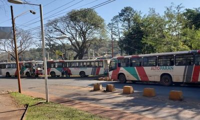 Buses de Alto Paraná al corralón por incumplir frecuencia