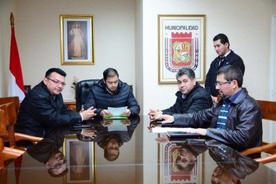 """Docentes amenazan con usar """"fuerza gremial"""" si Junta de CDE no aprueba obras para escuelas"""