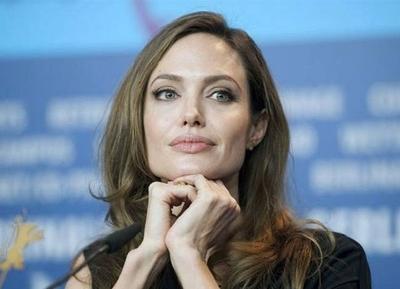 """HOY / Angelina Jolie apuesta por un mundo en que haya """"más mujeres malvadas"""""""