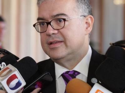 'Yo no tenía conocimiento de los detalles del acta bilateral', afirma asesor de la Presidencia