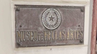 Roban placa de bronce del Archivo Nacional