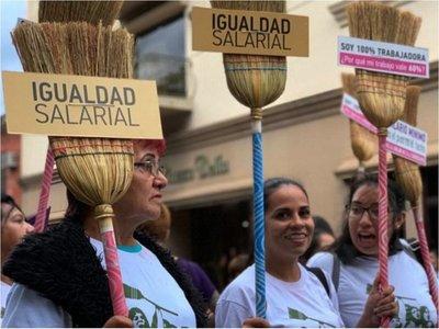 Domésticas reclaman que   se cumpla ley para aporte al IPS