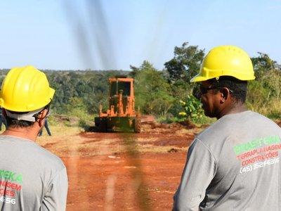 Instalan maquinarias para obras del segundo puente sobre el río Paraná