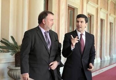 """HOY / Santi Peña descarta volver a Hacienda: """"Benigno es el mejor de este gobierno"""""""