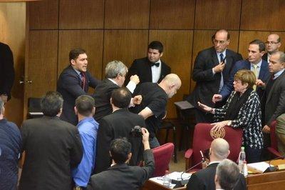 Payo ataca de inconstitucionalidad su suspensión