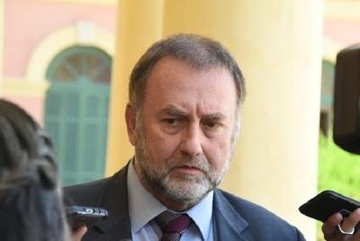 Benigno López niega reunión con hijo de Bolsonaro