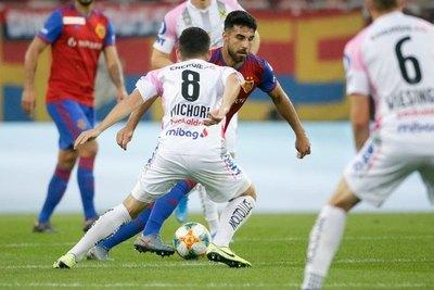 Con Riveros y Alderete, el FC Basel cayó en Champions