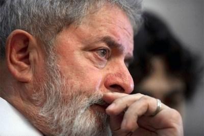 La Suprema Corte acata un pedido de Lula y suspende su traslado a Sao Paulo