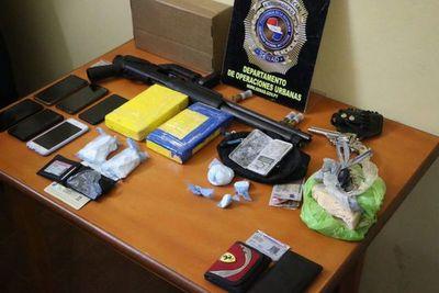 Detienen a presuntos traficantes en Villa Elisa