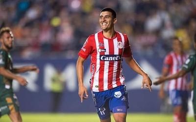 HOY / Diego Valdez se luce con tres goles