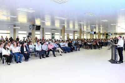 Eficiencia, transparencia y austeridad encabezan las prioridades del director de Itaipu
