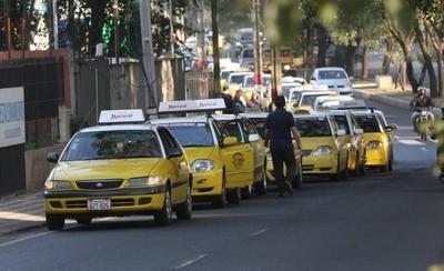 HOY / Mario promulga regulación de Muv y Uber: debate ahora es qué hacer con las paradas