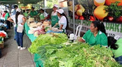 "Productores participaron de la Feria Agropecuaria ""Agosto Poty"""