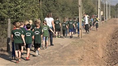 Reflexionan sobre la importancia del cuidado de basura en Loma Plata
