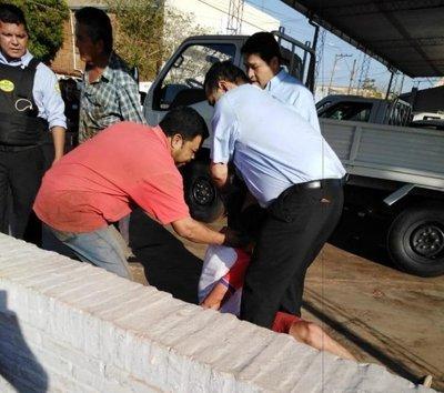 Vecinos capturan a sospechosos de asalto en Concepción