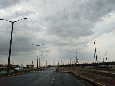 Jueves fresco y lluvias dispersas