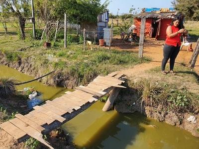 Vecinos denuncian abandono de obras de desagüe pluvial