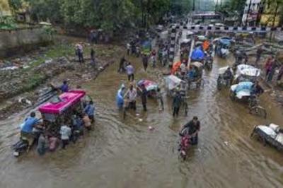 65 muertos y cientos de miles de afectados por lluvias en India