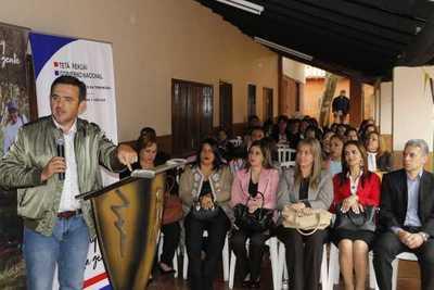 MEC inaugura mejoras y entrega aportes para escuelas de Guairá