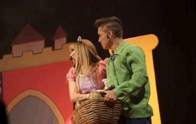 Marilina Y Will Continúan En Teatro
