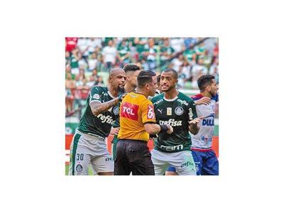 Otra más de Felipe Melo