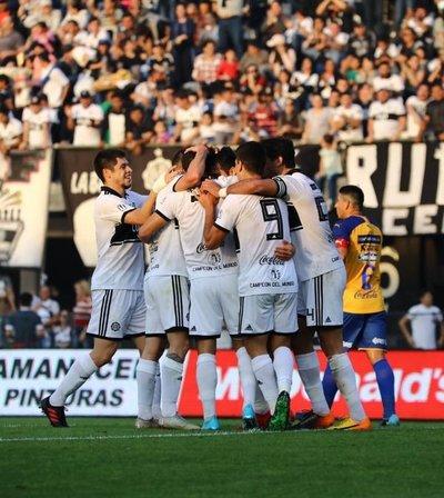 Olimpia gana a Luqueño y recupera el primer lugar del Torneo Clausura