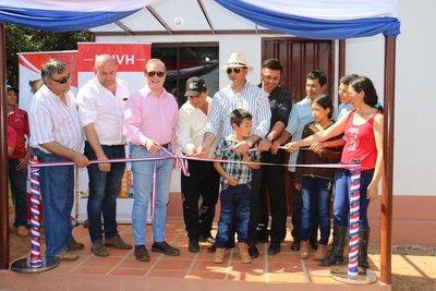 Ministerio de Urbanismo entregó 60 viviendas en Colonia Naranjaty, San Pedro