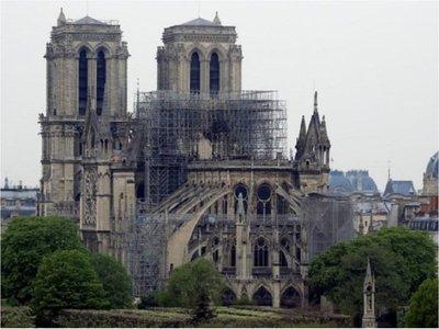 Inician los trabajos de limpieza de plomo en Notre Dame