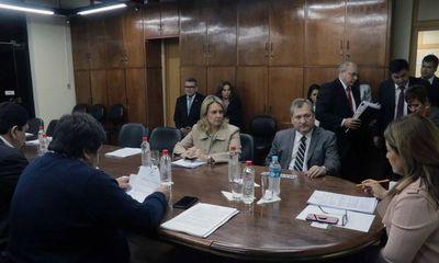 Titular de la Corte fue recibido por la Comisión de Presupuesto