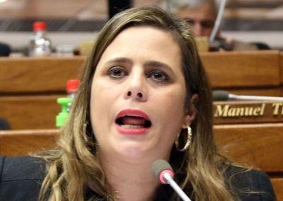 Excluyen a Kattya González de comisión de investigación de acta bilateral