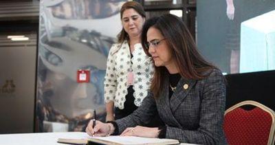 Cambian a la directora financiera de Itaipú